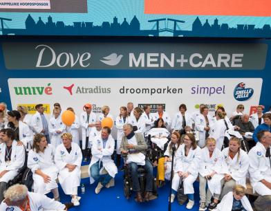 Deelnemers Amsterdam City Swim Dove